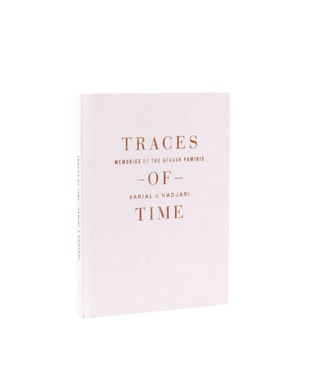 Kniha_Traces_of_Time