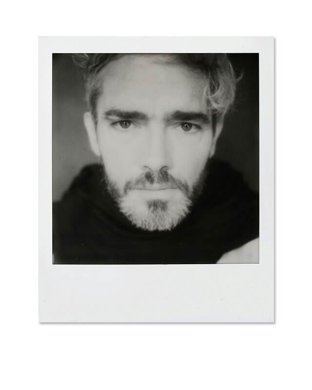 Polaroid_Originals_BW_Film_I-TYPE_c