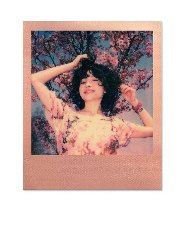 Polaroid_Originals_Color_Film_i-Type_Rose_Gold_Frame_Edition